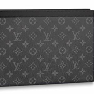 NWOT Louis Vuitton Voyage Black LV Pochette MM
